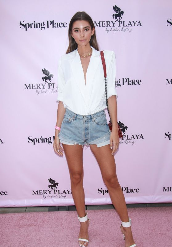 """Cindy Mello – """"Mery Playa by Sofia Resing"""" Launch in New York"""