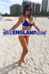 Claudia Romani - Cheering for England in the Worldcup on Miami Beach 06/27/2018