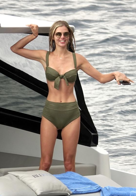 Danielle Knudson on Yacht in Capri 06/12/2018
