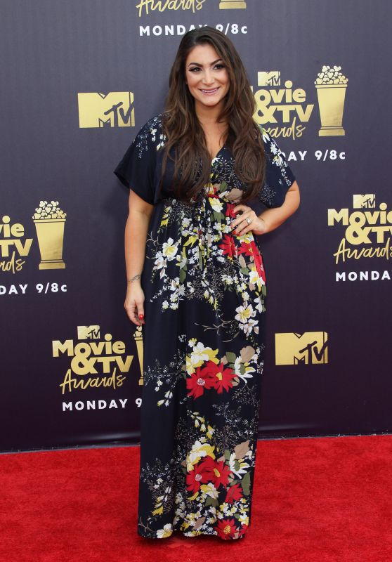 Deena Cortese – 2018 MTV Movie And TV Awards in Santa Monica