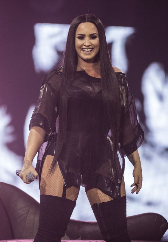 Demi Lovato - Performing Live in Concert in London 06/25/2018
