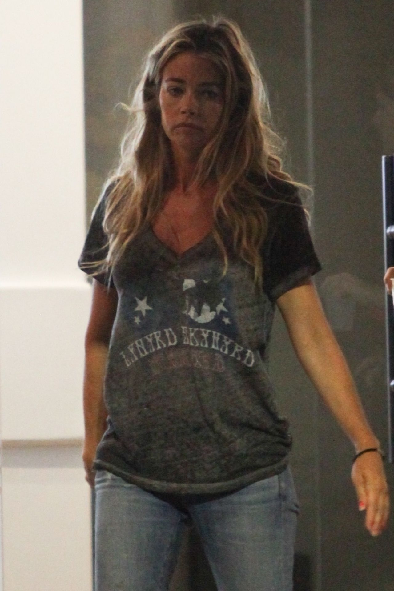 Denise Richards in Ripped Jeans - Out in Los Angeles 06/29