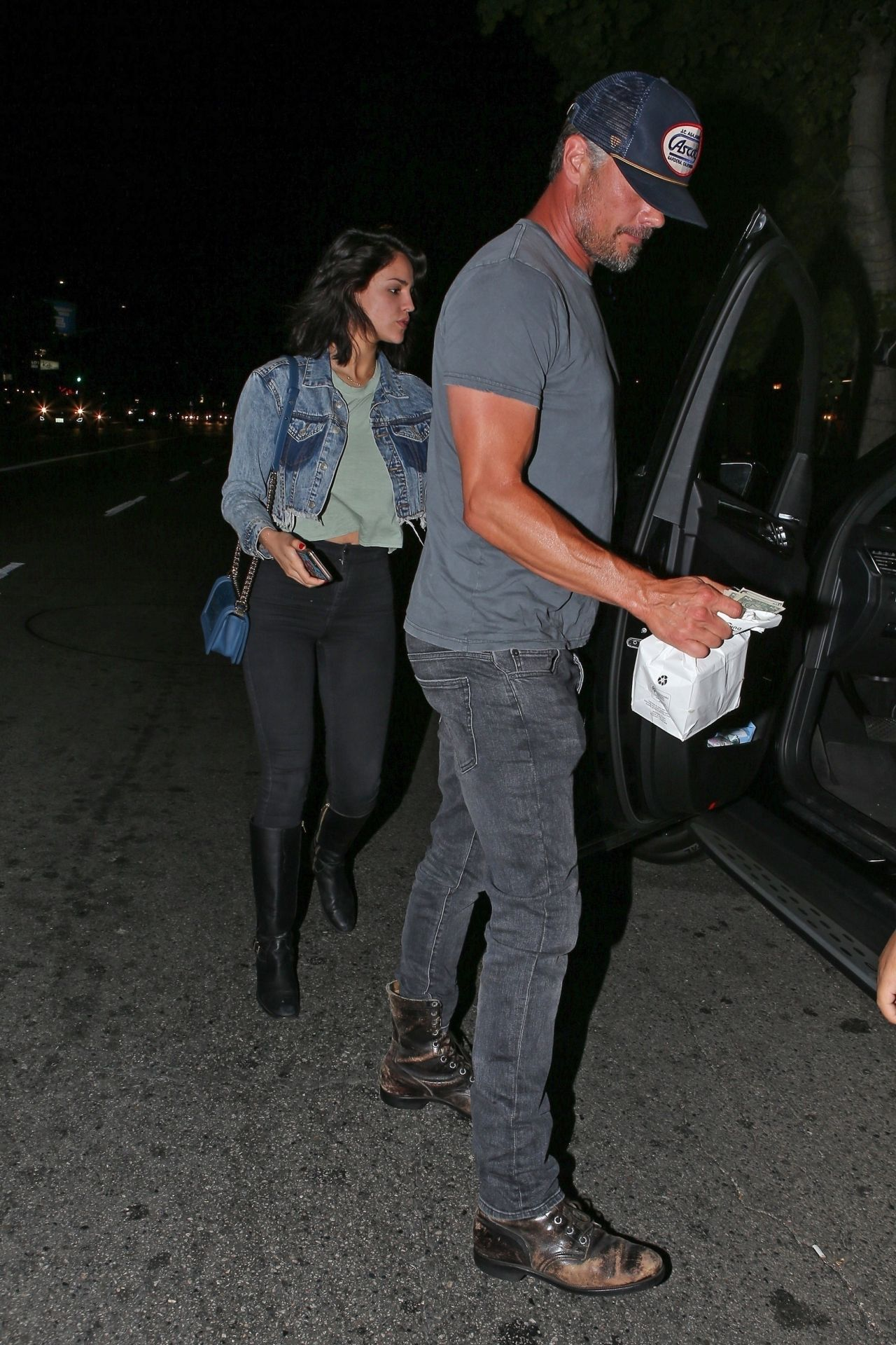 Eiza Gonzalez And Josh Duhamel At Antonio S Pizzeria In Sherman Oaks 06 10 2018