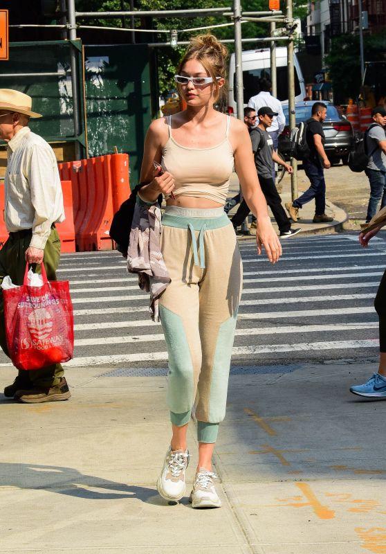 Gigi Hadid - Returning Home in New York City 06/18/2018