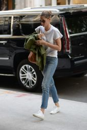 Gisele Bundchen Street Style - New York City 06/26/2018