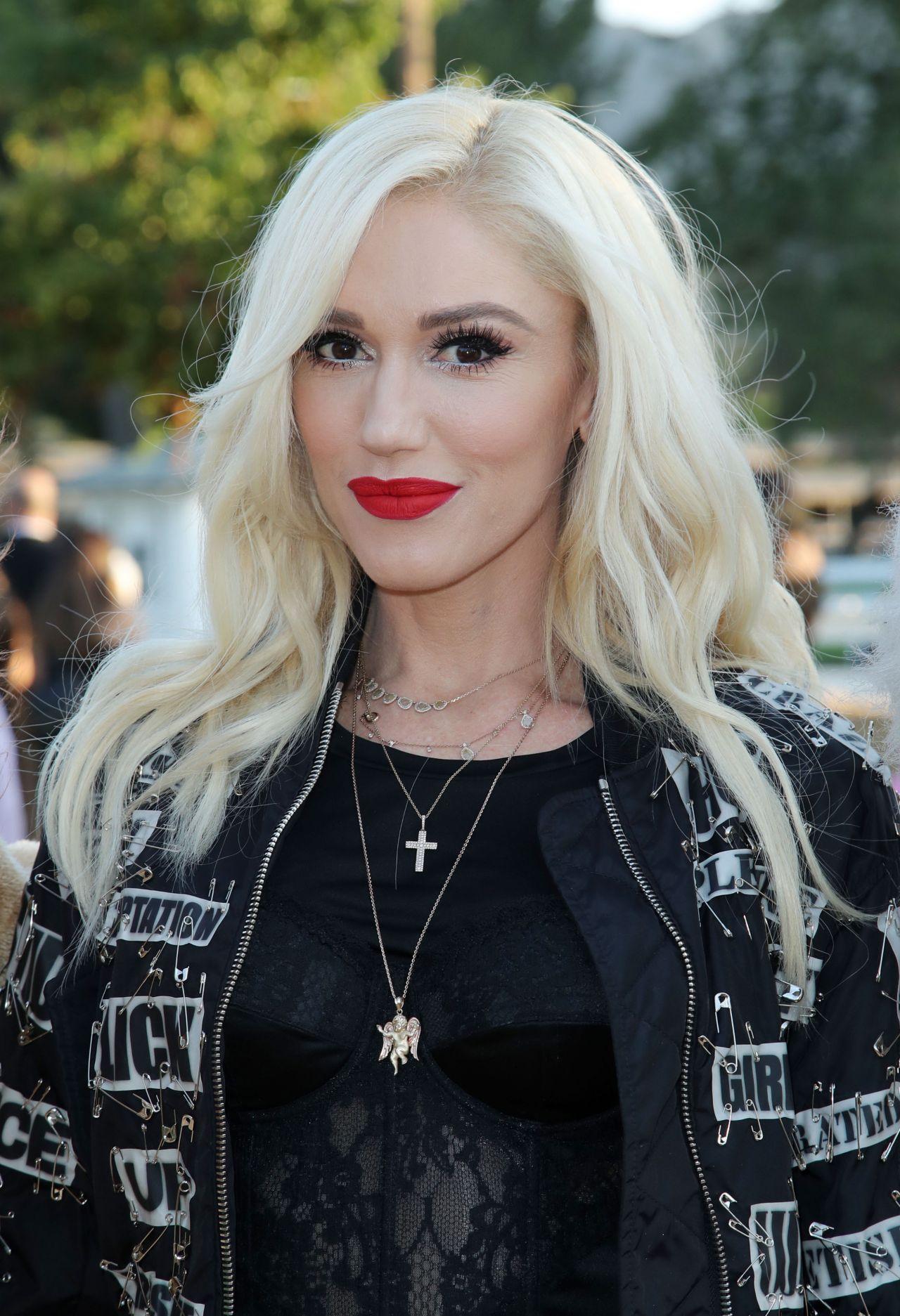 Gwen Stefani - Moschino S/S 2019 Menswear And Women's ...