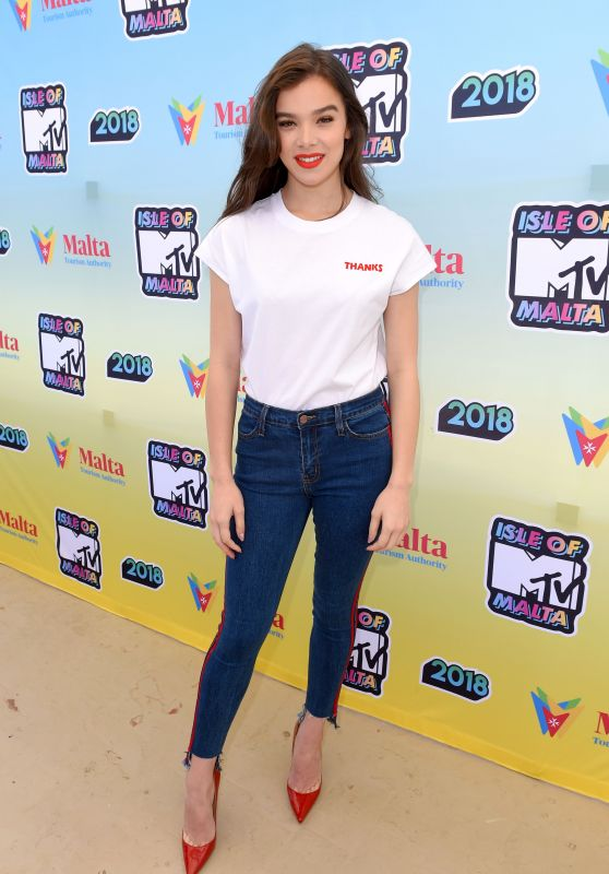 Hailee Steinfeld - Isle of MTV Press Conference in Malta 06/27/2018