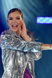 Hailee Steinfeld - Performs at the Isle of MTV in Malta