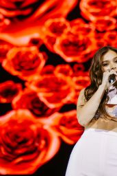 Hailee Steinfeld - Performs at Witness: The Tour in London 06/14/2018