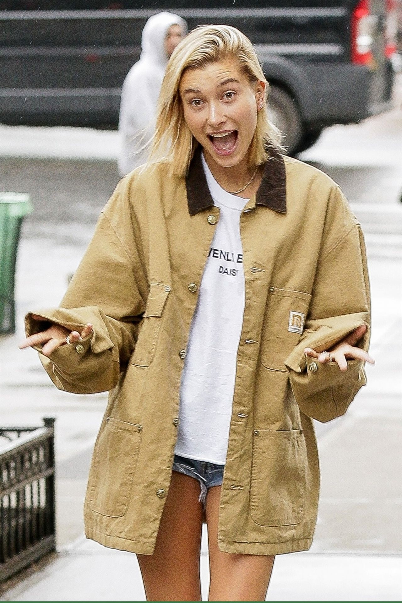 Hailey Baldwin And Justin Bieber Have Fun With The Cameras Out In Nyc 06 13 2018
