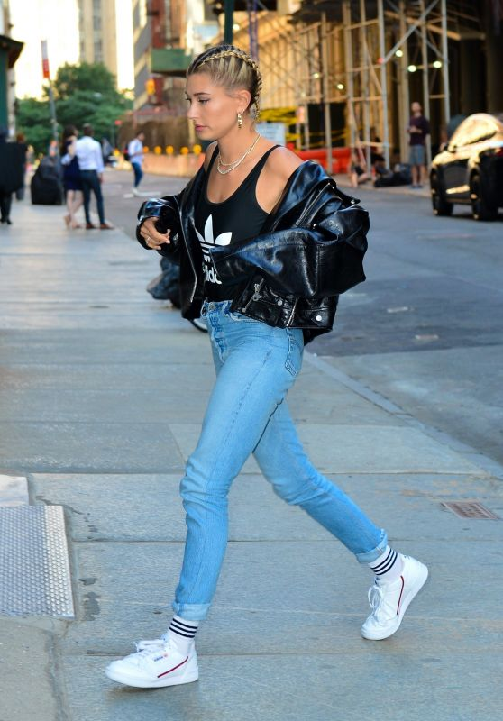 Hailey Baldwin - Out in New York City 06/21/2018