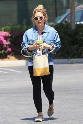 Hilary Duff - Heads to the Gym - Studio City 06/18/2018