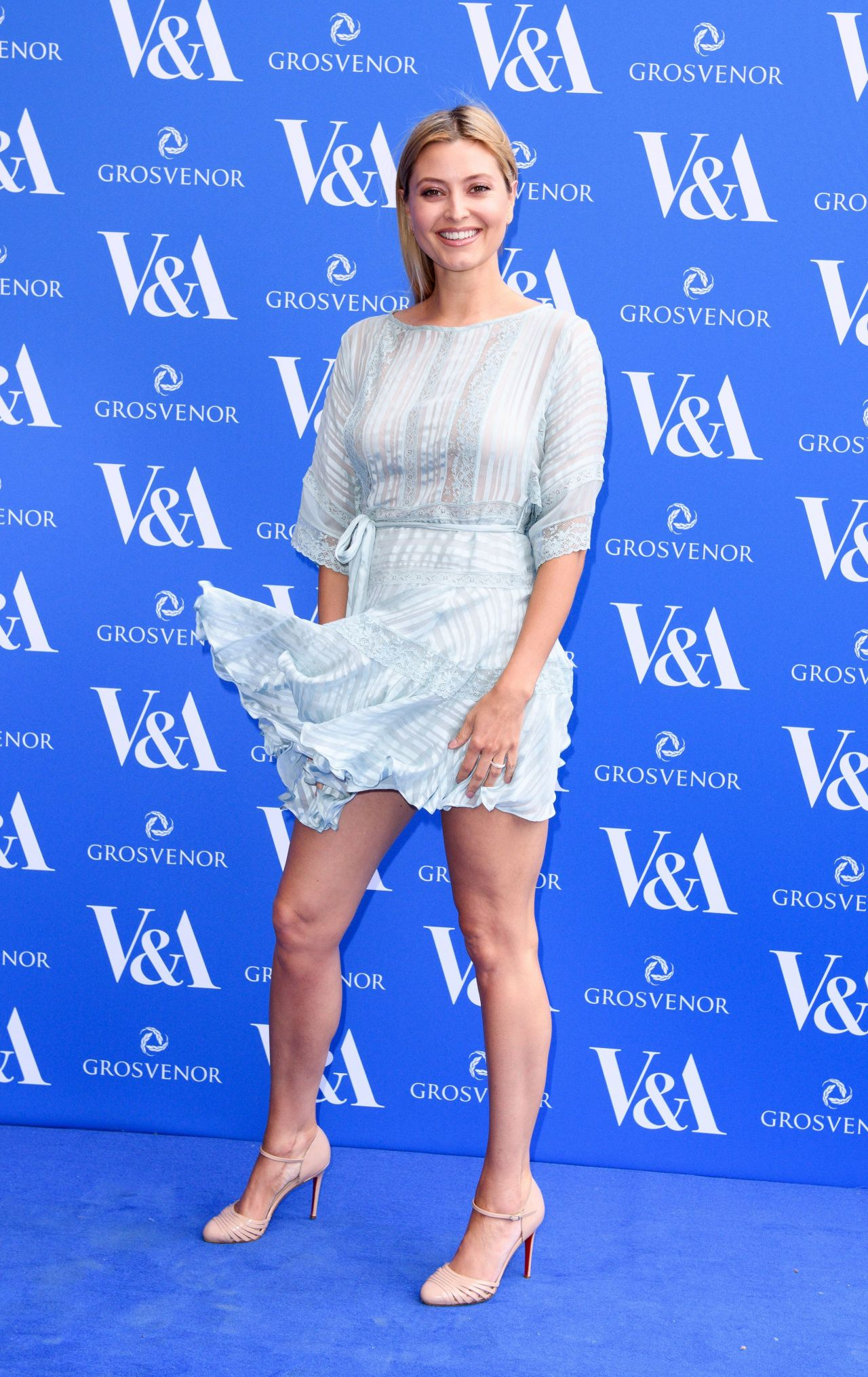 Holly Valance The Victoria And Albert Museum Summer