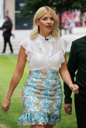 Holly Willoughby Cute Style - ITV Studios in London 06/20/2018