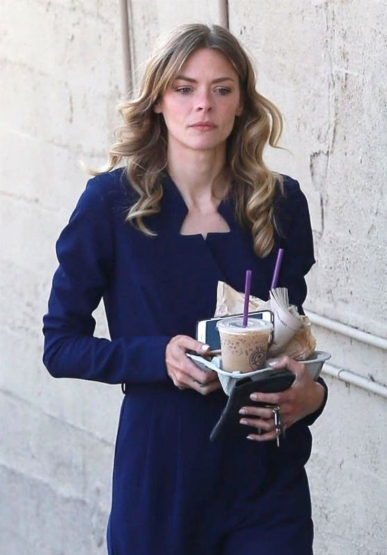 Jaime King - Picks Up Some Iced Coffees in LA 06/05/2018