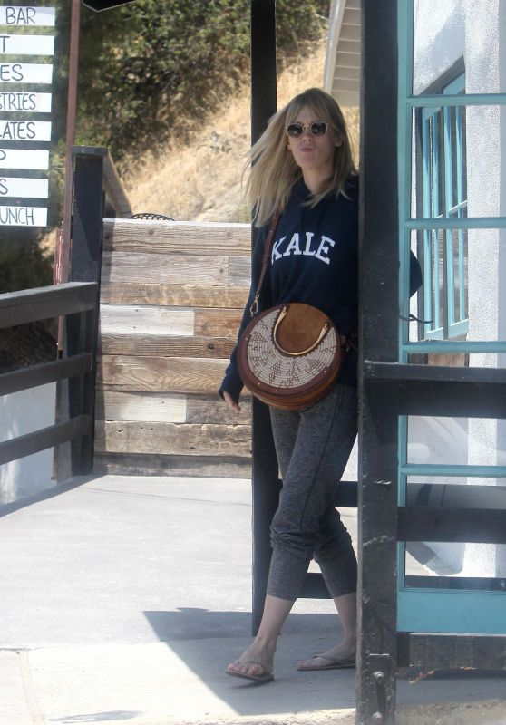 January Jones - Out for Lunch in LA 06/29/2018