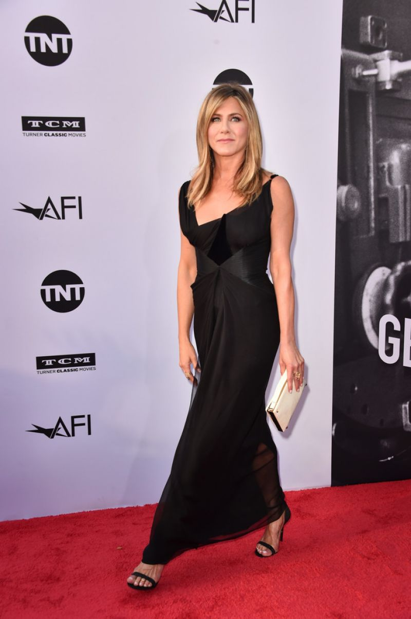 http://celebmafia.com/wp-content/uploads/2018/06/jennifer-aniston-46th-afi-life-achievement-award-gala-in-la-0.jpg