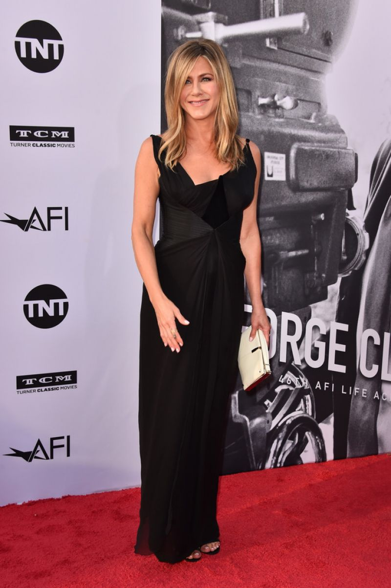 http://celebmafia.com/wp-content/uploads/2018/06/jennifer-aniston-46th-afi-life-achievement-award-gala-in-la-1.jpg
