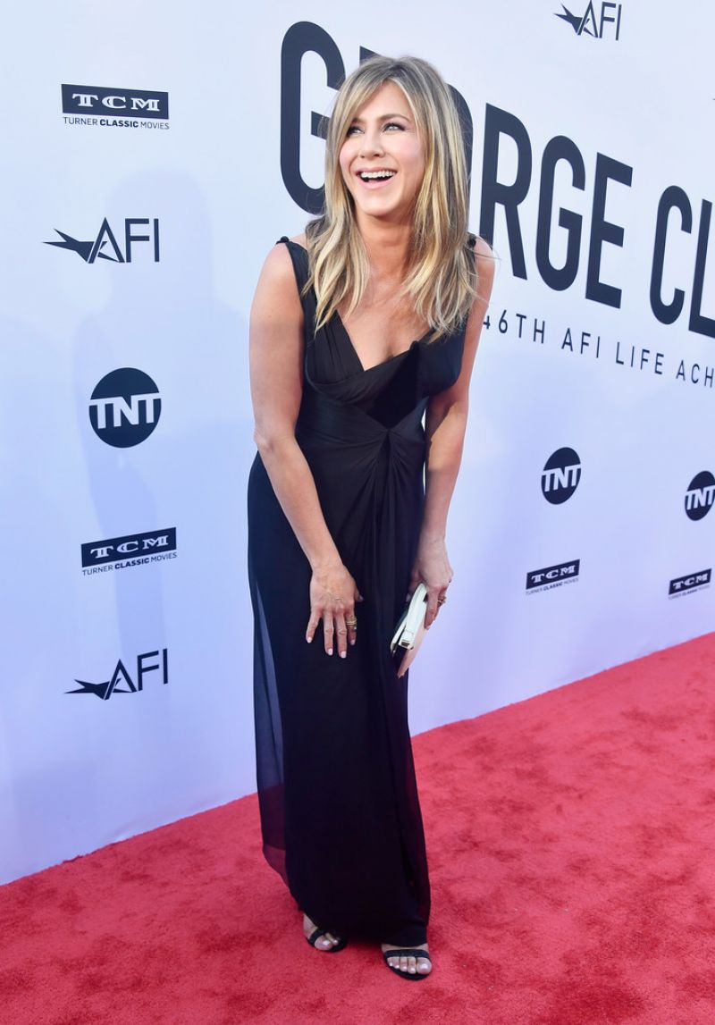 http://celebmafia.com/wp-content/uploads/2018/06/jennifer-aniston-46th-afi-life-achievement-award-gala-in-la-3.jpg