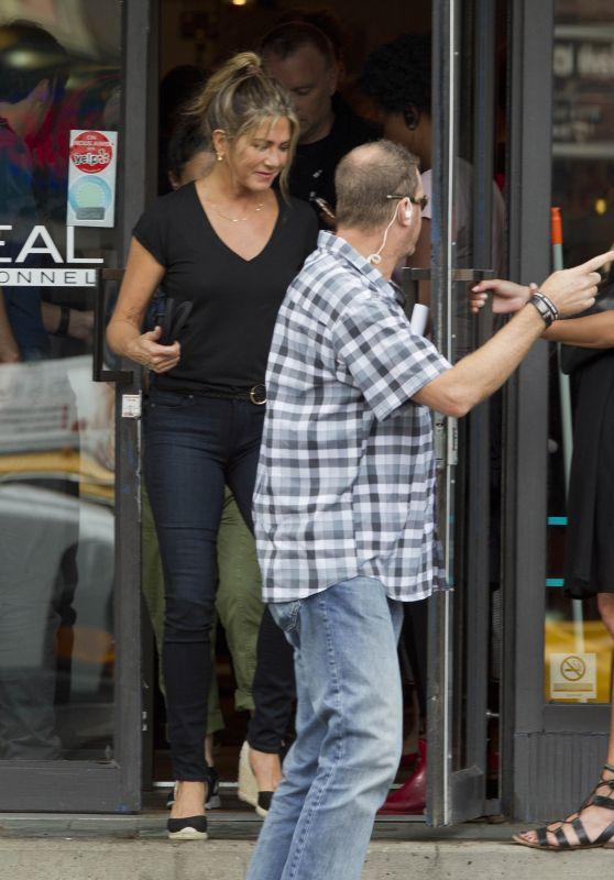"Jennifer Aniston - ""Murder Mystery"" Set in Montreal 06/20/2018"