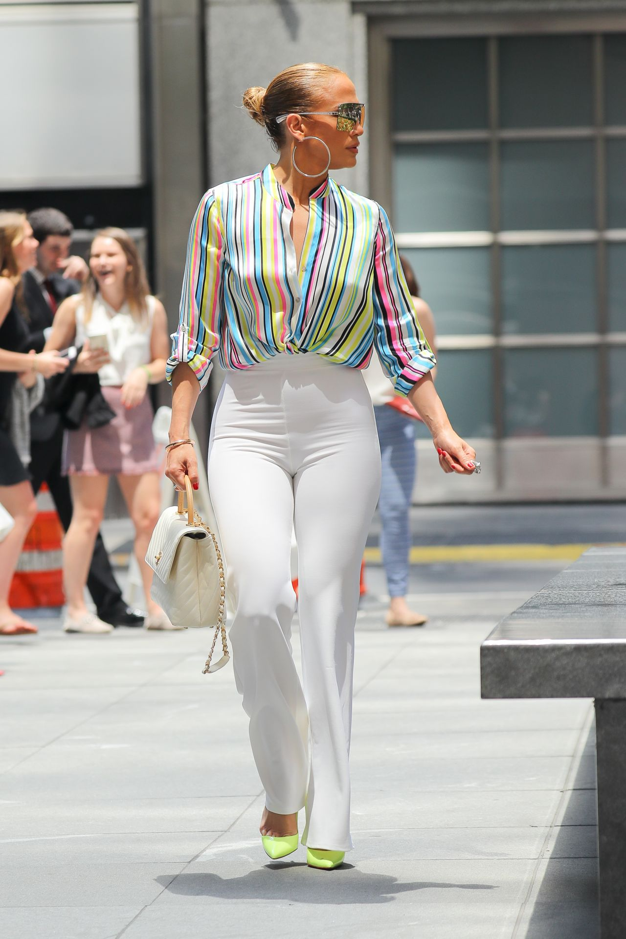 jennifer-lopez-and-alex-rodriguez-leaving-the-casa-lever-in-nyc-06-29-2018-11.jpg