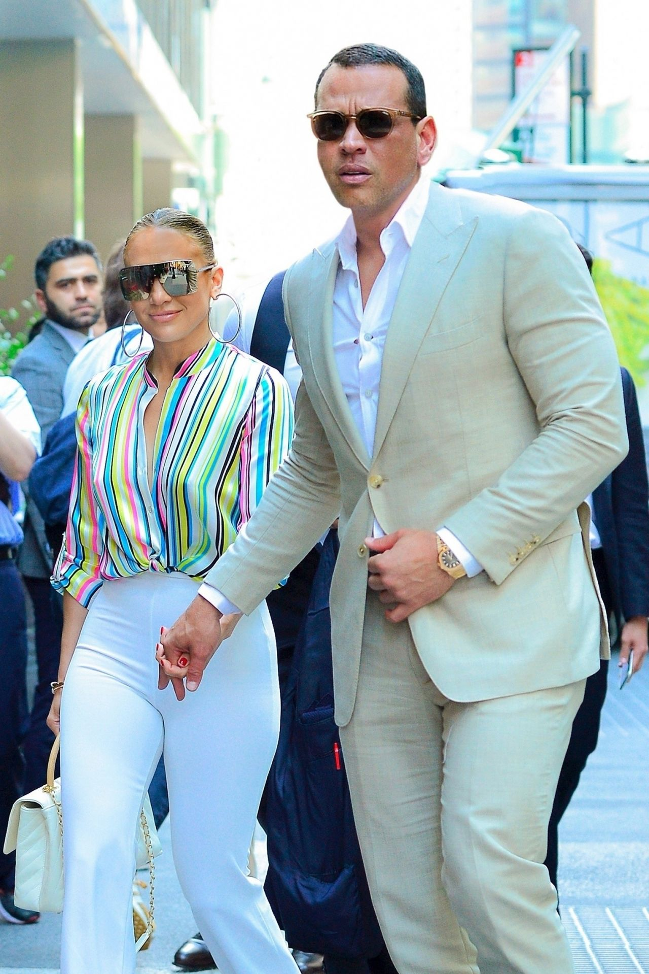 jennifer-lopez-and-alex-rodriguez-leaving-the-casa-lever-in-nyc-06-29-2018-9.jpg