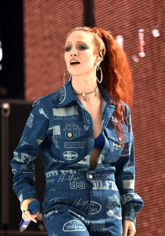 Jess Glynne – Performs at Capital FM Summertime Ball in London