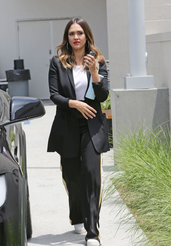 Jessica Alba Style and Fashion - Out in Los Angeles 06/05/2018