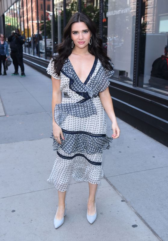 Katie Stevens - Outside BUILD Series in NYC 06/12/2018