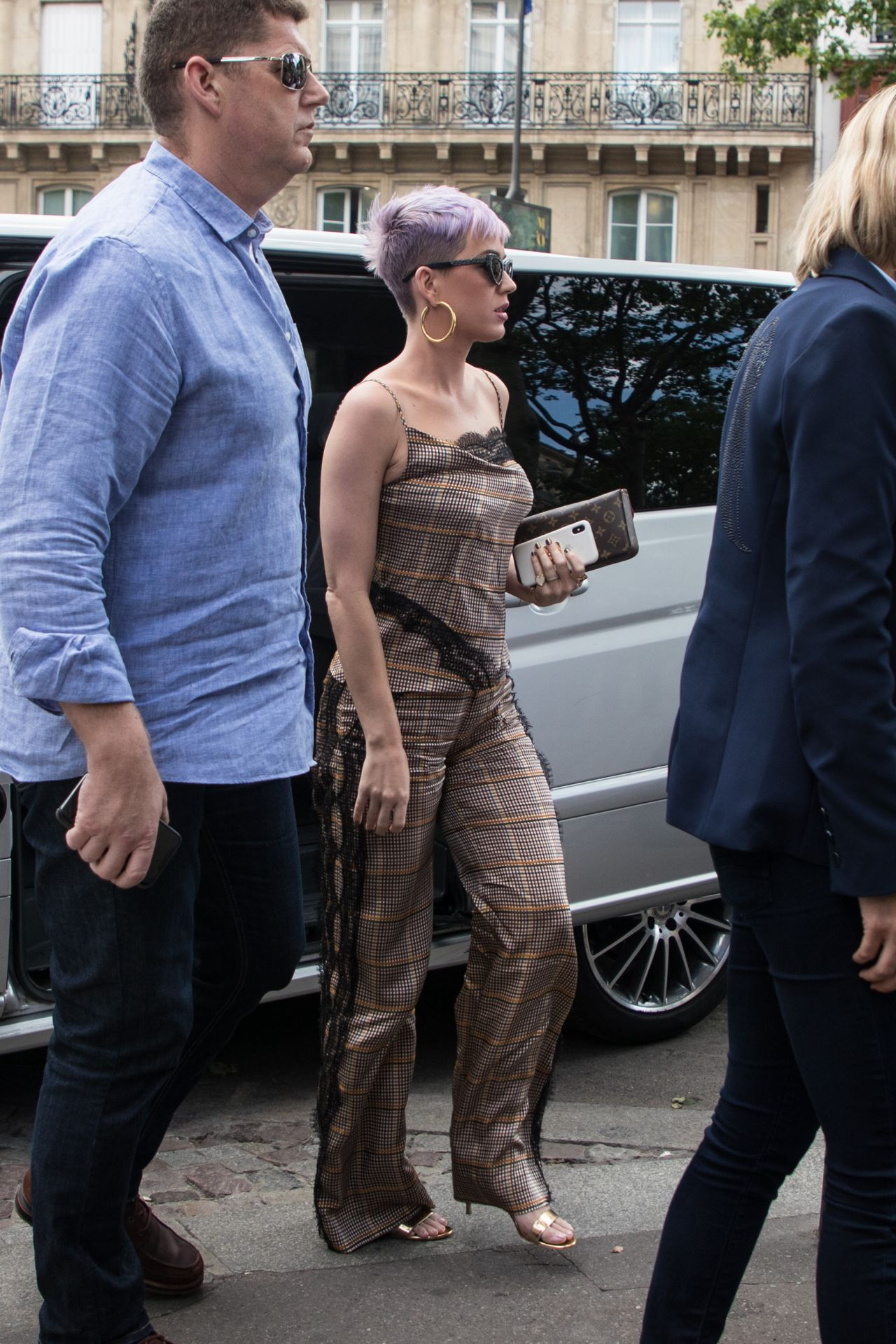 katy-perry-lunch-at-cafe-de-flore-in-paris-05-30-2018-4.jpg