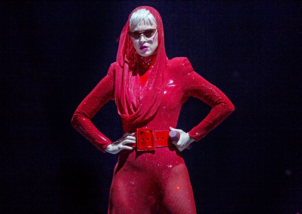 Katy Perry Performing On Her Quot Witness Quot Tour In Liverpool