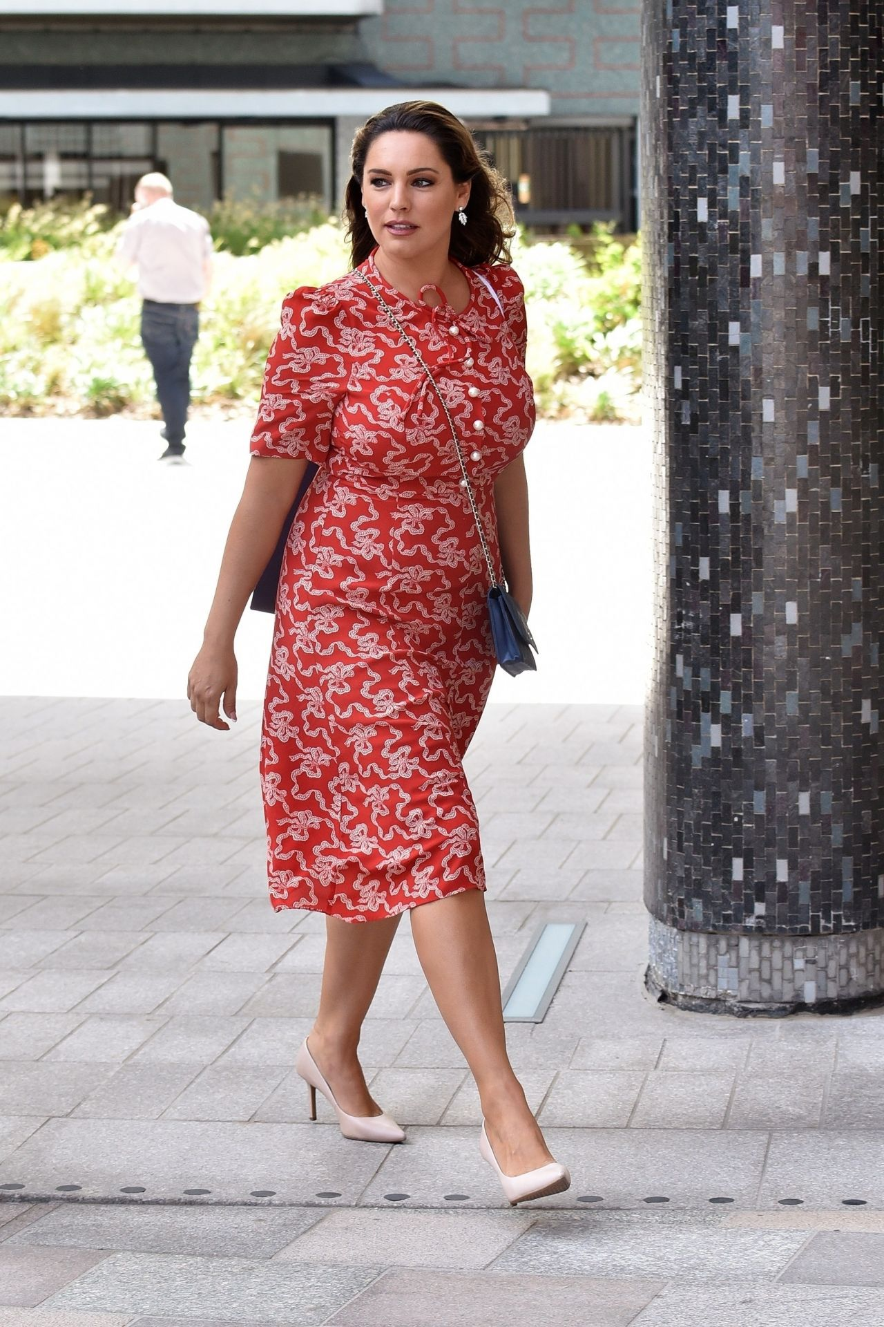 kelly-brook-at-the-itv-studios-in-london-06-11-2018-6.jpg