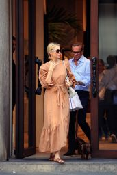 Kelly Rutherford - Shopping in Milan 06/26/2018