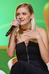 Kelsea Ballerini Performs  2018 CMA Music Fest Infinity Fan Fair X in Nashville