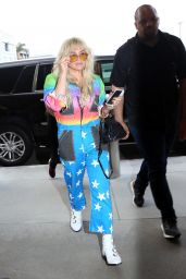 Kesha - LAX Airport in LA 06/04/2018
