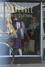 Kristen Stewart and Stella Maxwell - Vintage Clothing Store in Silver Lake
