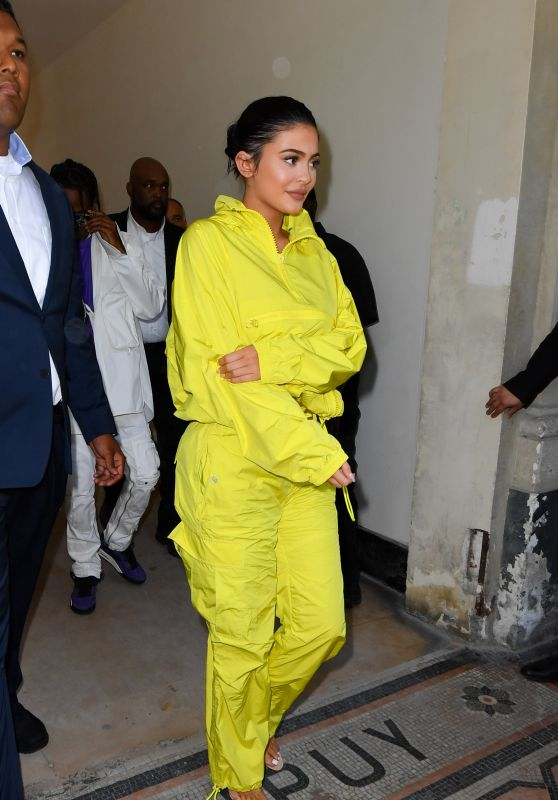 Kylie Jenner - Arrive at the Louis Vuitton Menswear Spring/Summer 2019 Show in Paris 06/21/2018