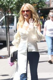 Kylie Minogue - Heads for Her Concert Being Held at The Bowery Ballroom in NYC