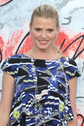 Lara Stone – Serpentine Gallery Summer Party in London 06/19/2018