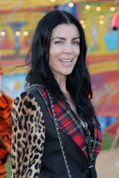 Liberty Ross – Moschino S/S 2019 Menswear And Women's Resort Collection in Burbank