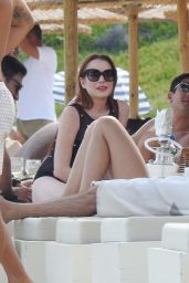 Lindsay Lohan - Arguing With a Man at Lohan Beach Club in Mykonos 06/10/2018