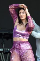 Lorde - Performing in Manchester 09/06/2018