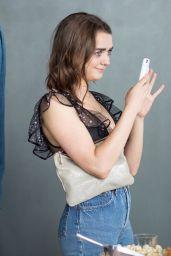 Maisie Williams – Social Media 06/15/2018