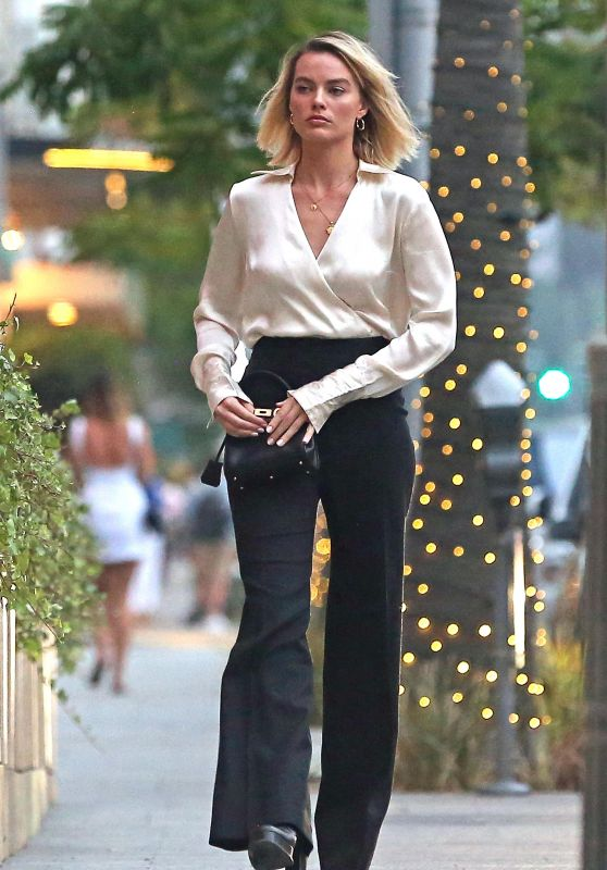 Margot Robbie Style - Out in Beverly Hills 06/21/2018