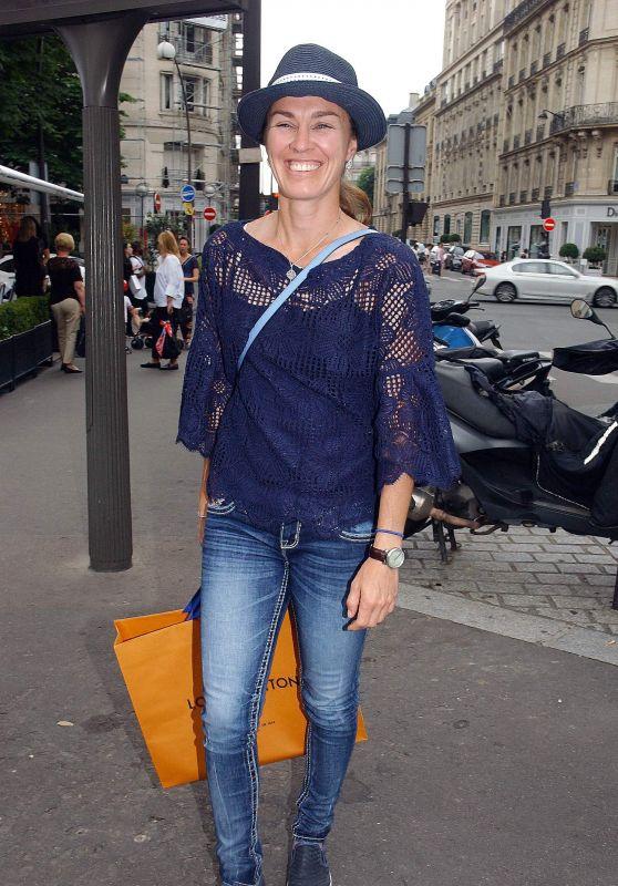 Martina Hingis - Leaving l