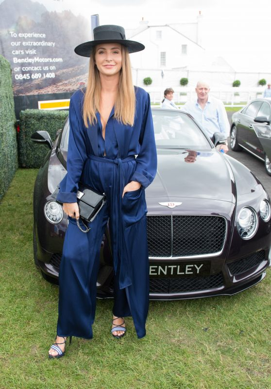 Millie Mackintosh – Investec Derby Festival, Epsom Downs Racecourse 06/02/2018