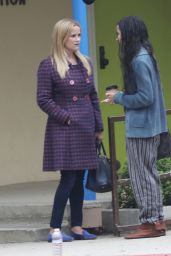 """Reese Witherspoon - """"Big Little Lies"""" FIlming in Brentwood 06/21/2018"""