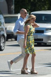 Reese Witherspoon - Out for Lunch in Beverly Hills 06/10/2018