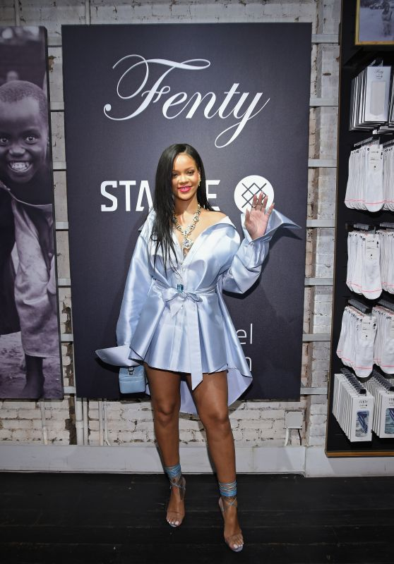 Rihanna - Stance to Raise Money for the Clara Lionel Foundation in NYC