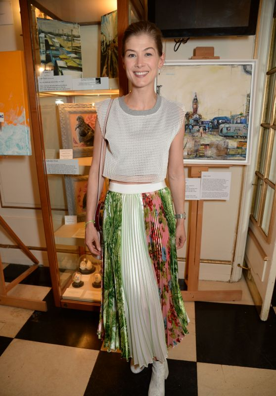 "Rosamund Pike - Special Performance of ""The Jungle"" at Playhouse Theatre in London"